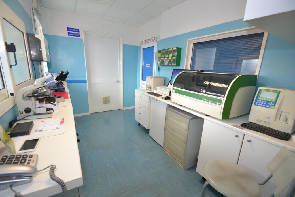 Laboratorio di analisi della Clinica Veterinaria Melosi - Cecina